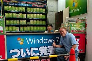 Linus Torvalds en el stand de Windows7